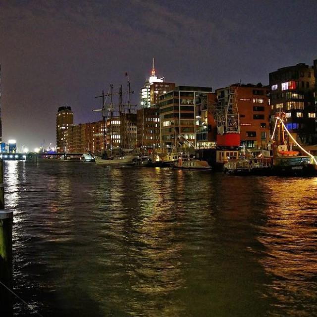 Der wohl bekannteste Spot in Hamburgam WE sieht es dahellip