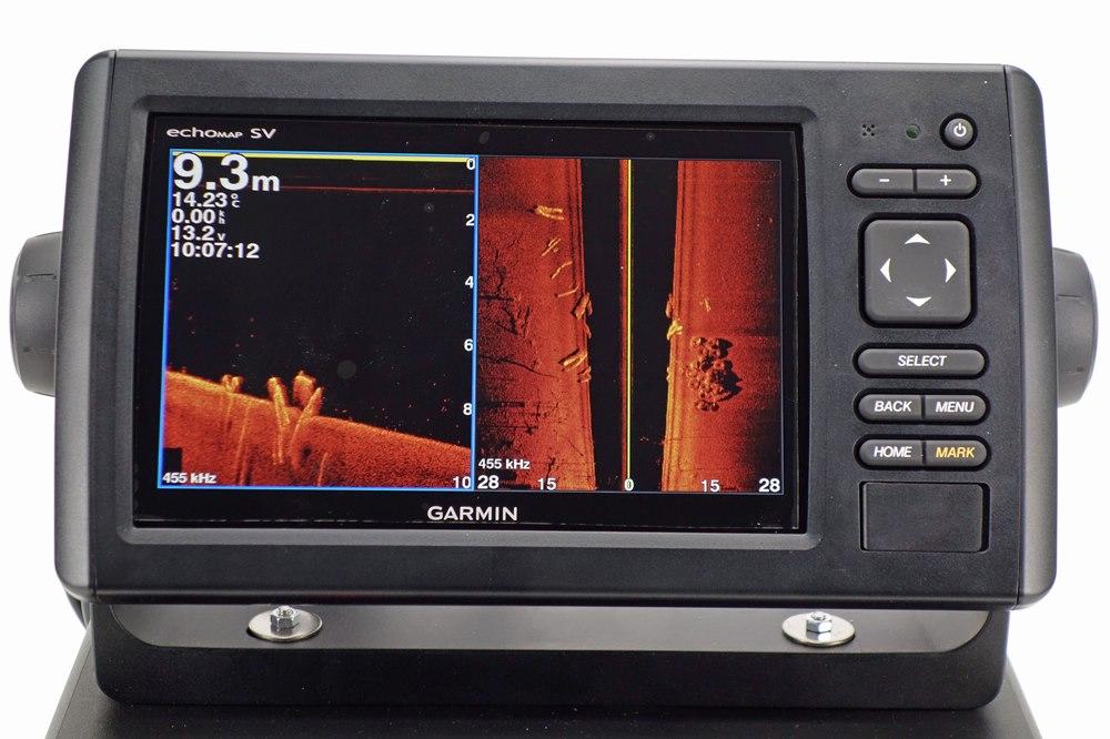 Echomap 72sv mit zweigeteiltem Bildschirm, links Downview, rechts Sidescan.